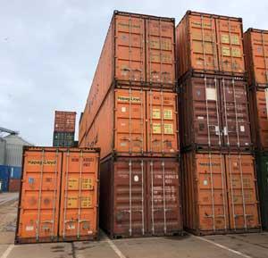 Containere maritime utilizate pentru depozitare marfuri
